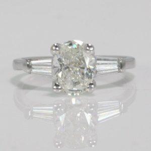 1.50 CARAT OVAL CUT DIAMOND ENGAGEMENT RING